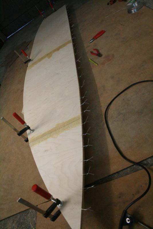 Έφτιαξε μόνος του ιστιοπλοϊκό σκάφος στο σπίτι (33)