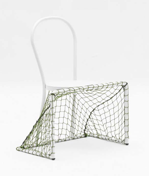 Καρέκλες για τεμπελοποδόσφαιρο (2)
