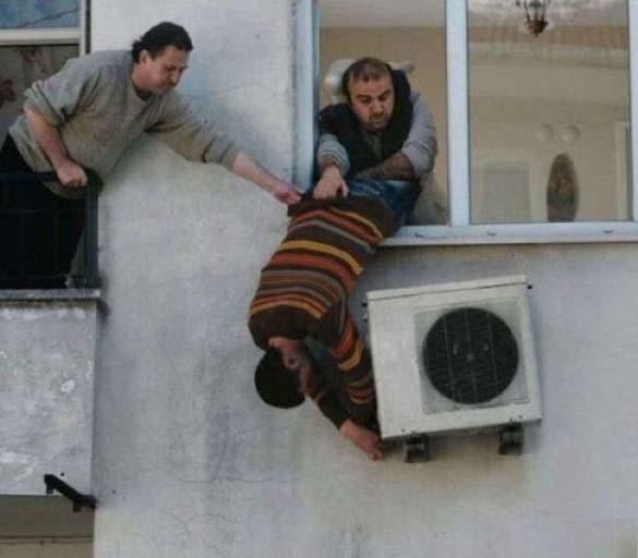 Οι κασκαντέρ των... κλιματιστικών (11)