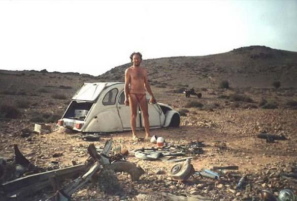 Μετέτρεψε το αυτοκίνητο του σε μοτοσυκλέτα για να επιβιώσει (2)