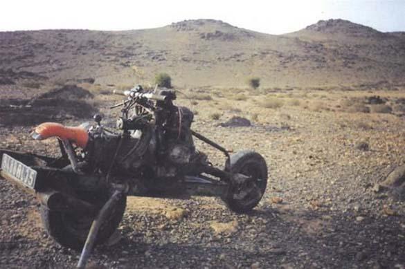 Μετέτρεψε το αυτοκίνητο του σε μοτοσυκλέτα για να επιβιώσει (5)
