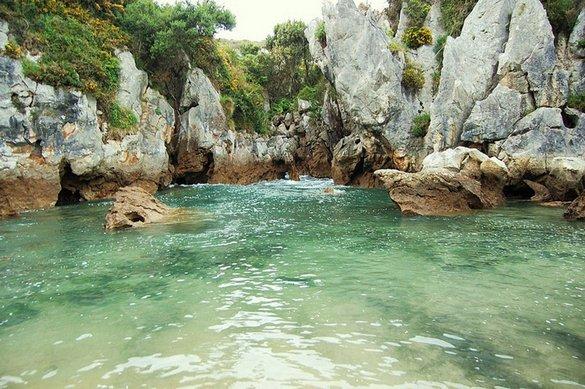 Playa de Gulpiyuri: Μια παραλία δίχως θάλασσα (6)