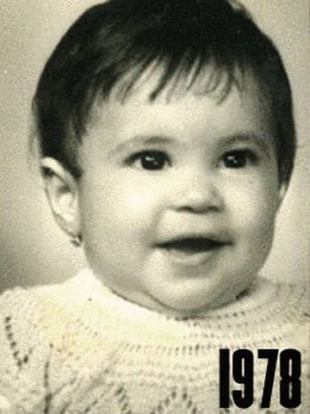 Shakira: 1977-2012 μέσα από φωτογραφίες (2)