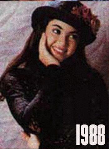 Shakira: 1977-2012 μέσα από φωτογραφίες (6)