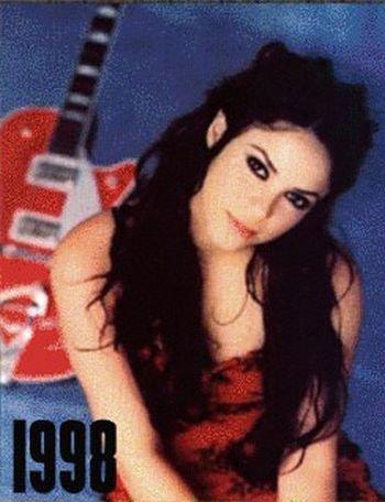 Shakira: 1977-2012 μέσα από φωτογραφίες (13)