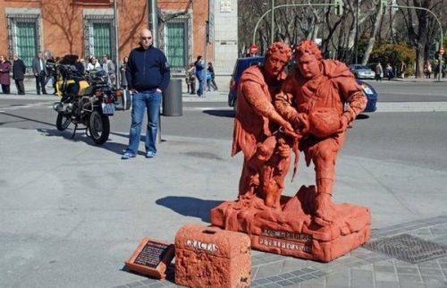 Ζωντανά αγάλματα που θα σας ξεγελάσουν (11)