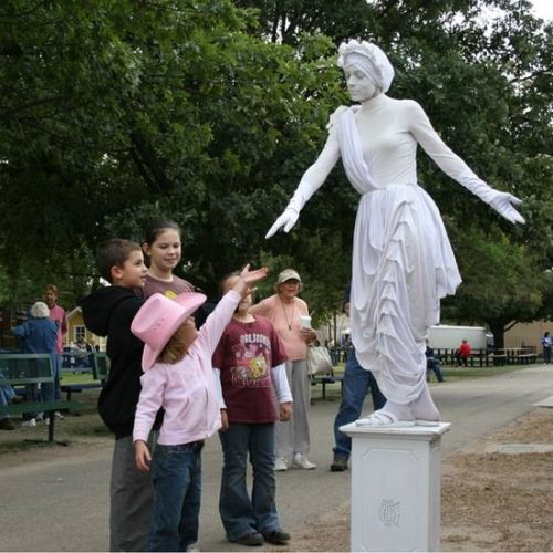Ζωντανά αγάλματα που θα σας ξεγελάσουν (14)