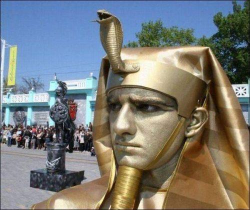 Ζωντανά αγάλματα που θα σας ξεγελάσουν (21)