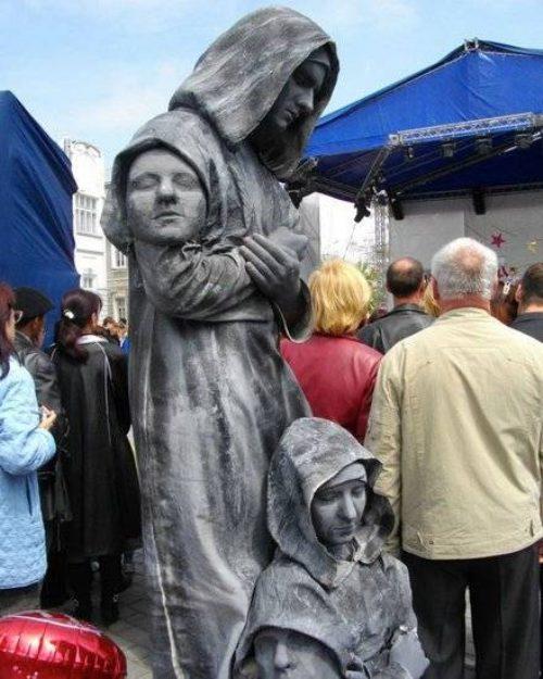 Ζωντανά αγάλματα που θα σας ξεγελάσουν (27)