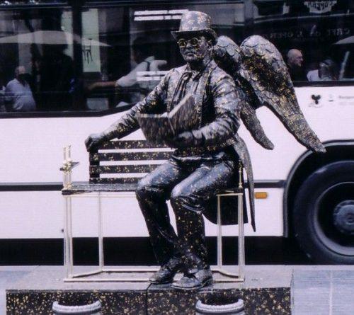 Ζωντανά αγάλματα που θα σας ξεγελάσουν (31)
