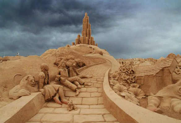 25 εκπληκτικές δημιουργίες στην άμμο (1)
