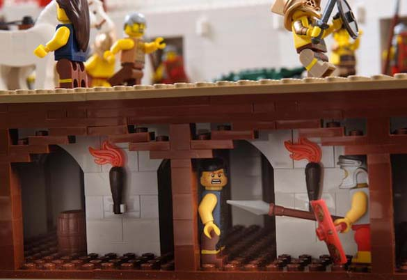 Εκπληκτική ρέπλικα του Κολοσσαίου από Lego (4)