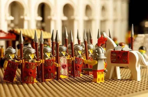 Εκπληκτική ρέπλικα του Κολοσσαίου από Lego (7)