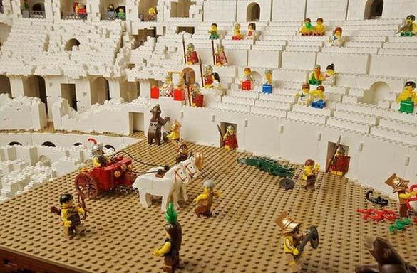 Εκπληκτική ρέπλικα του Κολοσσαίου από Lego (11)