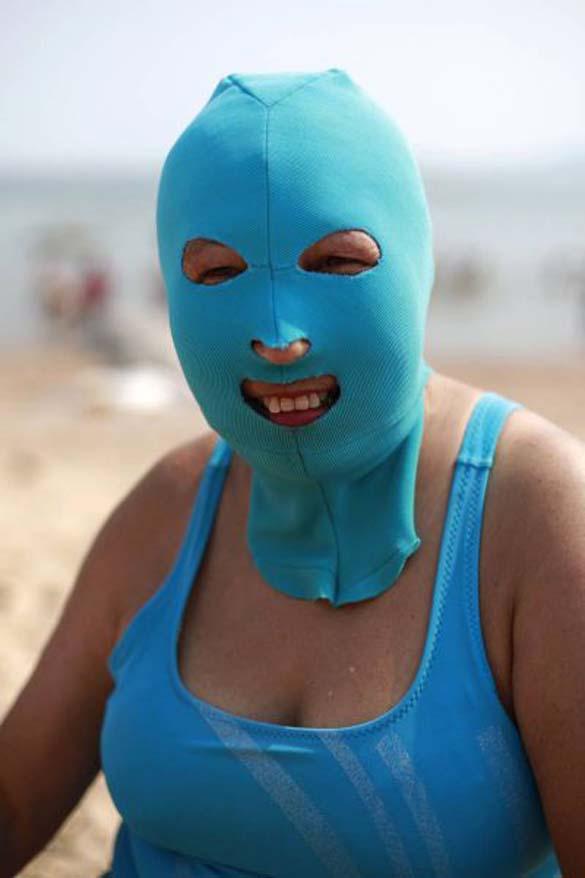 Εν τω μεταξύ, σε μια παραλία στην Κίνα... (8)