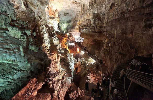 Εξωπραγματικά σπήλαια απ' όλο τον κόσμο (11)
