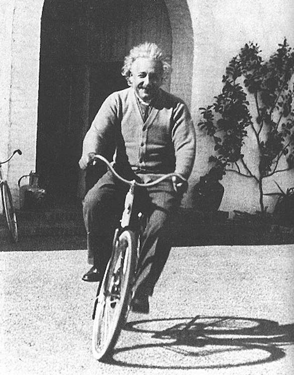 Φωτογραφίες του Albert Einstein όπως δεν τον έχουμε συνηθίσει (4)