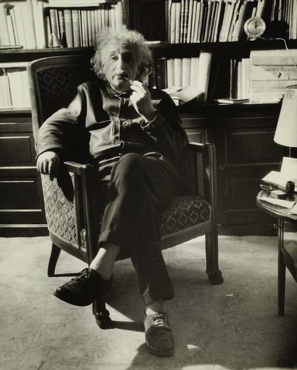 Φωτογραφίες του Albert Einstein όπως δεν τον έχουμε συνηθίσει (10)