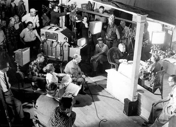 Σπάνιες φωτογραφίες από τα παρασκήνια γνωστών ταινιών (15)