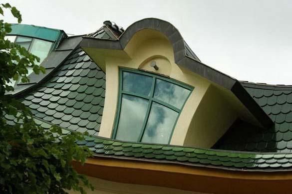 Krzywy Domek: Ένα από τα πιο παράξενα κτήρια στον κόσμο (5)