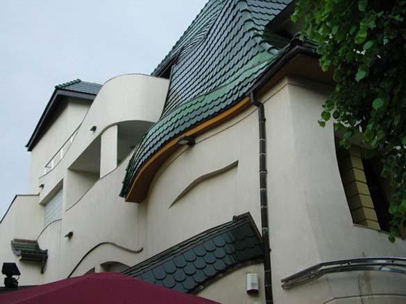 Krzywy Domek: Ένα από τα πιο παράξενα κτήρια στον κόσμο (6)
