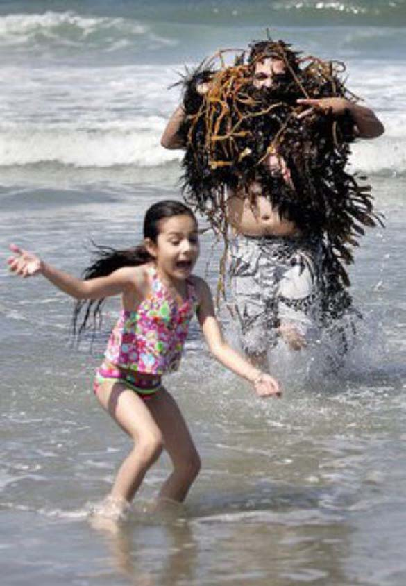 Ξεκαρδιστικές στιγμές στην παραλία (1)
