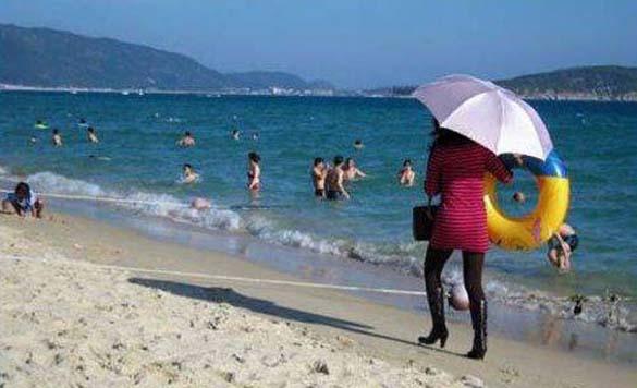 Ξεκαρδιστικές στιγμές στην παραλία (10)