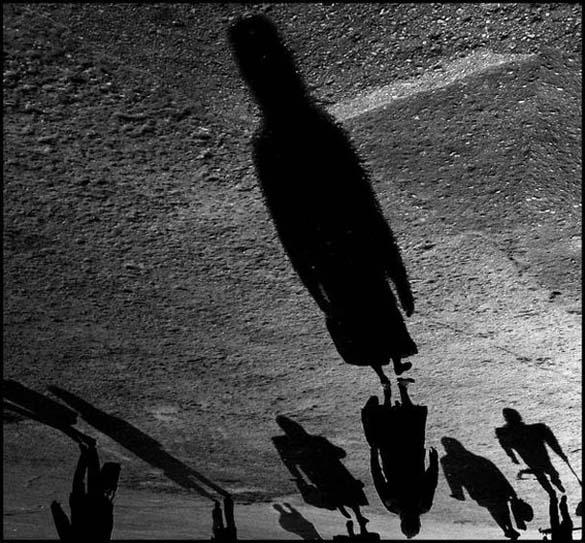 Παίζοντας με τις σκιές (1)