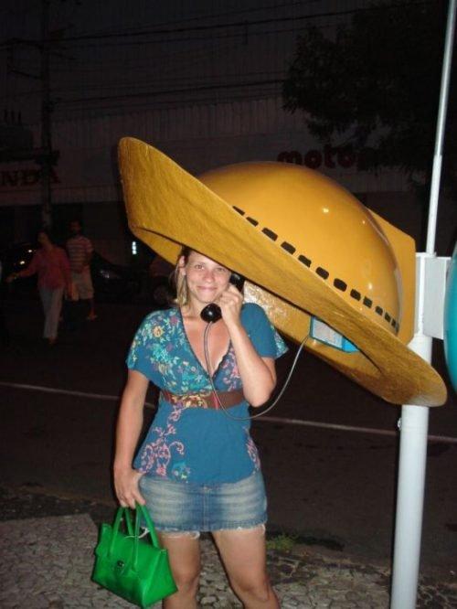 Παράξενοι τηλεφωνικοί θάλαμοι (6)