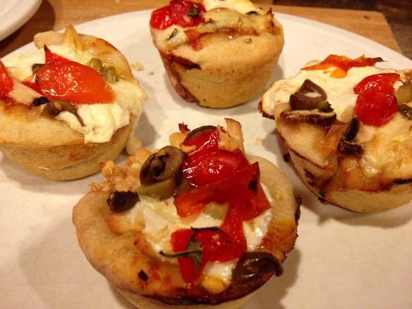 Πως να φτιάξετε Pizza Cupcakes (4)