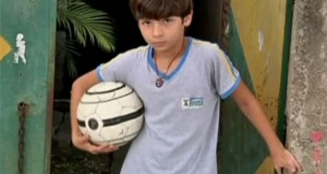 Απίστευτος 11χρονος ποδοσφαιριστής χωρίς πόδια (Video)