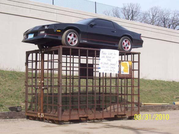 Εκδίκηση για παράνομο παρκάρισμα (4)