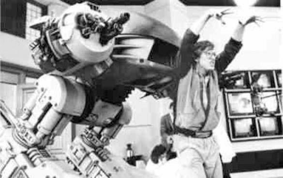 Σπάνιες φωτογραφίες από τα γυρίσματα του RoboCop (12)