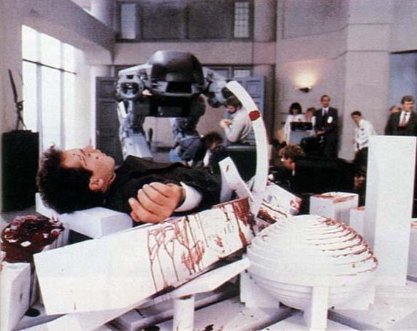Σπάνιες φωτογραφίες από τα γυρίσματα του RoboCop (39)
