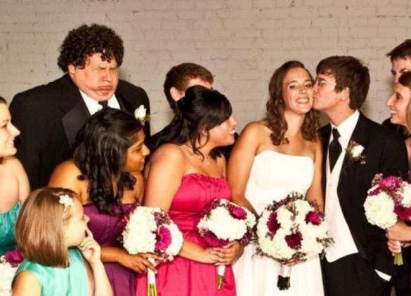 Καταστροφικές εισβολές σε γαμήλιες φωτογραφίες (9)