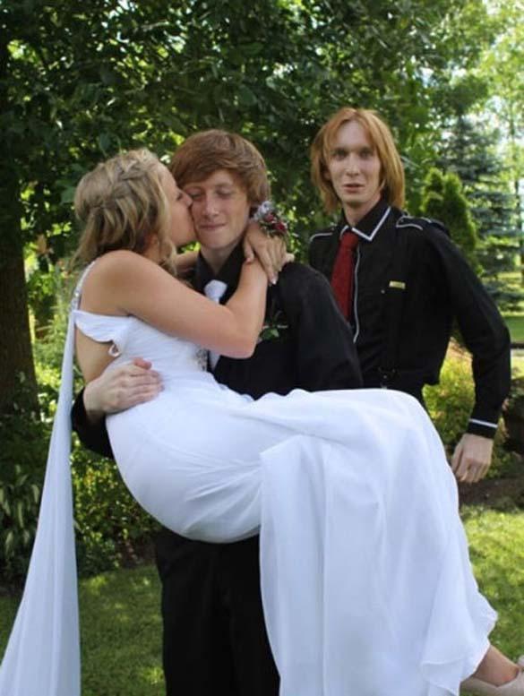 Καταστροφικές εισβολές σε γαμήλιες φωτογραφίες (11)