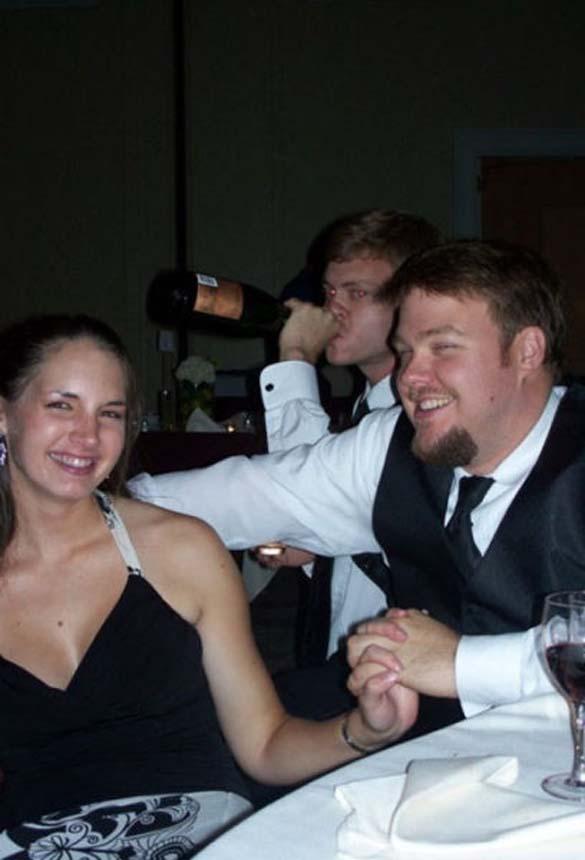 Καταστροφικές εισβολές σε γαμήλιες φωτογραφίες (14)