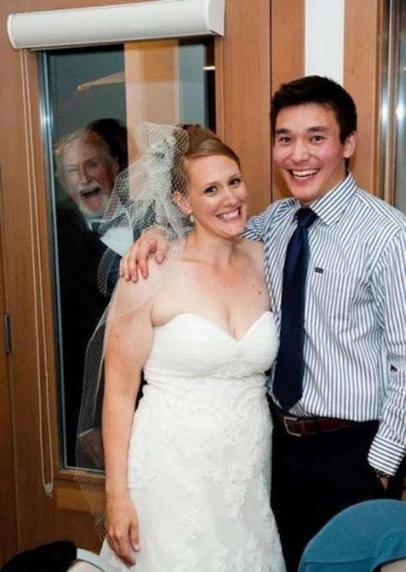 Καταστροφικές εισβολές σε γαμήλιες φωτογραφίες (15)
