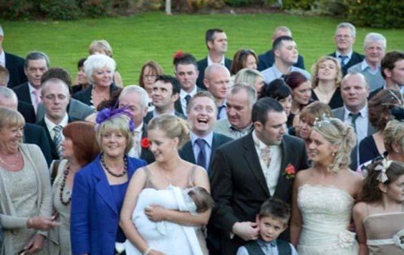Καταστροφικές εισβολές σε γαμήλιες φωτογραφίες (19)