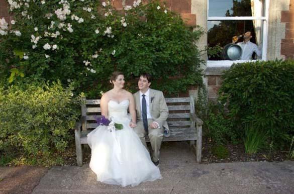 Καταστροφικές εισβολές σε γαμήλιες φωτογραφίες (22)