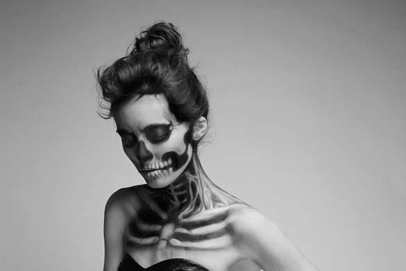 Το κορίτσι - σκελετός (1)