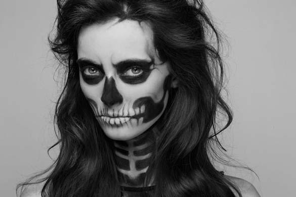 Το κορίτσι - σκελετός (2)