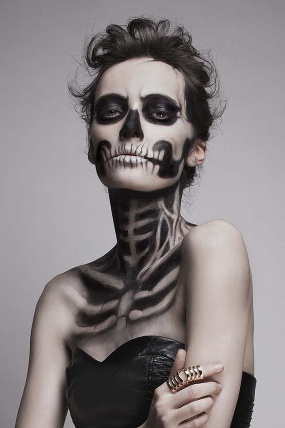 Το κορίτσι - σκελετός (8)