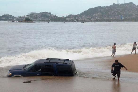 Ξεκαρδιστικές στιγμές στην παραλία (9)