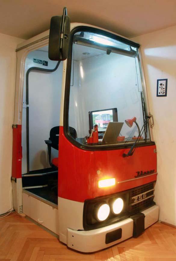 Παλιό λεωφορείο μετατράπηκε σε γραφείο (10)