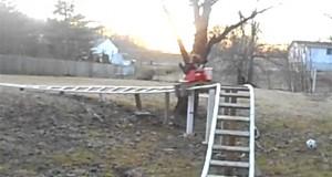 Πατέρας έφτιαξε Roller coaster στην πίσω αυλή (Video)