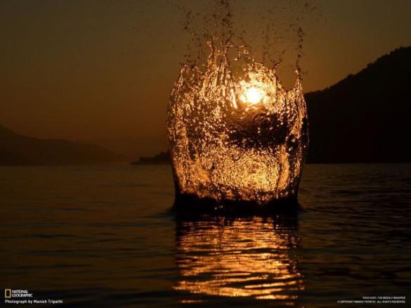 Όταν ο Ήλιος βουτάει στη θάλασσα... | Φωτογραφία της ημέρας
