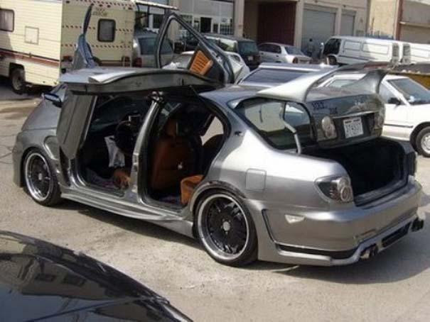 Ένα αυτοκίνητο που θυμίζει... πολυσουγιά! (3)
