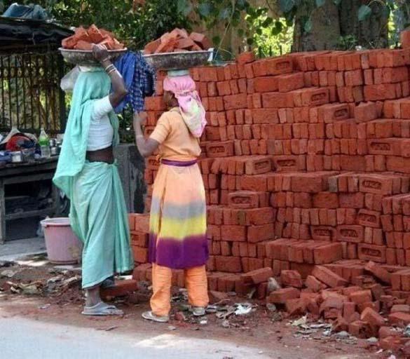 Εν τω μεταξύ στην Ινδία (5)