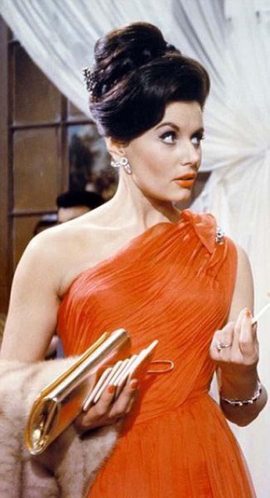 Πως είναι σήμερα οι γυναίκες από κλασσικές ταινίες του James Bond (6)